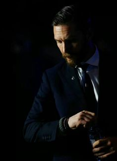Tom Hardy. Beauty personified!!!