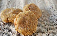 La ricetta vegan dei biscotti allo zenzero - I biscotti allo zenzero sono una… Cookies, Desserts, Food, Muffin, Diet, Recipes, Crack Crackers, Tailgate Desserts, Deserts