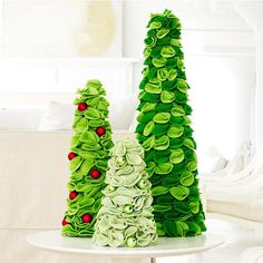 christmas craft idea Itself felt roses green