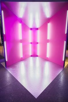 Photobooth Designs Piercing cardi b piercing neck Stage Design, Event Design, Photowall Ideas, Exhibition Booth, Art Party, Booth Design, Experiential, Neon Lighting, Light Art