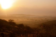 lever de soleil sur Palitana, Inde, India (Philippe Guy)  book your next tour: www.mountainadventuresindia.com