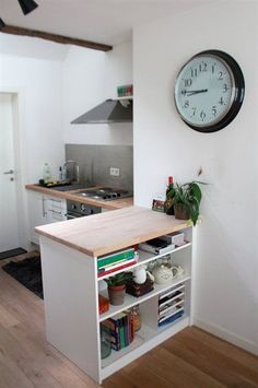 Small kitchen counter space best y images on small small kitchen counter space ideas Small Space Kitchen, Open Plan Kitchen, Small Space Living, Inspiration Ikea, Interior Design Inspiration, Tiny Spaces, Small Apartments, Small Room Interior, Mini Loft