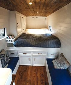 Before And After This Converted Sprinter Van Even Has An Actual Bathroom Sprinter Van Converted Tiny House Bathroom Photos Apartment Therapy Truck Camper, Camper Life, Bus Life, Van Conversion Interior, Camper Van Conversion Diy, Van Conversion With Bathroom, Sprinter Conversion, Sprinter Van, Rangement Caravaning