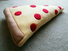 DIY Felt Pizza Slice Pillow ♡♥♡♥♡♥ #food #pizza #diy #decor #PizzaLove