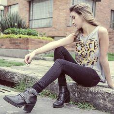"""Diseño: 99% estado jaguar """"Colombia en manos del arte y el diseño"""" """"El arte de llevar a Colombia en el corazón"""" Camisetas de colección"""