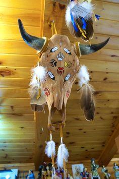 Bull Skulls, Deer Skulls, Animal Skulls, Cow Skull Art, Horse Skull, Deer Antler Crafts, Antler Art, Native American Decor, Native American Symbols