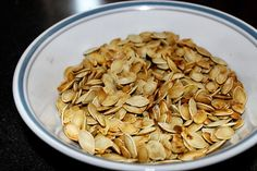 easy homemade pumpkin seeds!