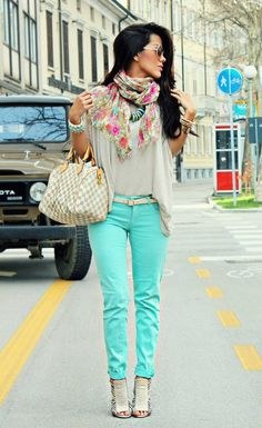 Mint jegging (CAbi spring '13) w/forum tee(CAbi fall '12).  and a fun scarf!