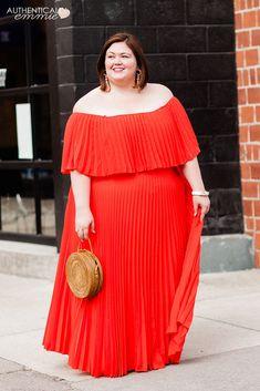 Feeling Red Hot in Pleats Plus Size Fashion For Women, Plus Size Women, Plus Size Dresses, Plus Size Outfits, Curvy Outfits, Honeymoon Outfits, Plus Size Wedding, Party Wear, Autumn Fashion