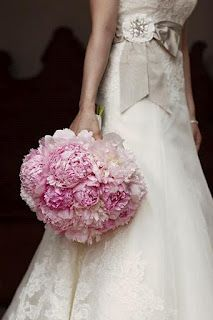 Bouquet Bridal: peonies