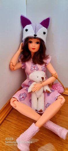 Barbie Dolls, Slippers, Fashion, Moda, Fashion Styles, Slipper, Fashion Illustrations, Barbie Doll, Flip Flops