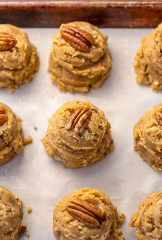 Thick, chewy, and insanely delicious Butter Pecan Cookies! And they're freezer friendly, too! Cookie Desserts, Just Desserts, Cookie Recipes, Delicious Desserts, Dessert Recipes, Yummy Food, Butter Pecan Cookies, Chocolate Cookies, Chip Cookies