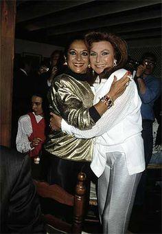 ROCIO JURADO - 7Con su gran amiga Lola Flores.