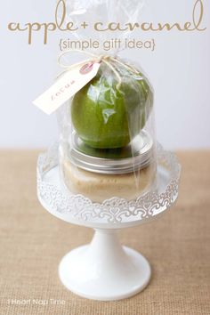 25 fabulous homemade gifts - love this apple + caramel dip in a jar! Simple and inexpensive!