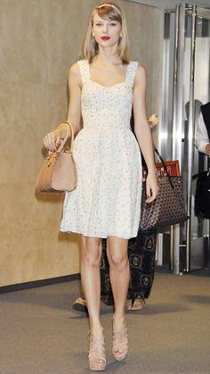 Taylor Swift en vestido corto