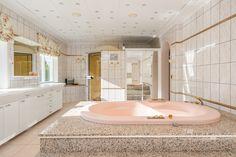 Corner Bathtub, Bathroom, Random, Washroom, Corner Tub, Bathrooms, Casual, Bath