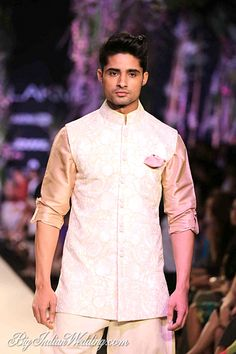 Manish Malhotra at Lakme Fashion Week 2014