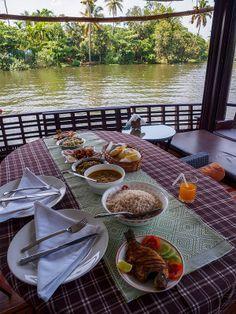 Royal lunch at backwaters of Kreala