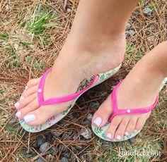 Lambe do calcanhar ate o dedão ❤️ #pés #feet #pezinhos #instafeetlove #footmodel #podo #podolatria #instafeet #prettyfeet #cutefeet #instafeetlove #barefeet #beautifulfeet #fetiche #feetlovers #perfectfeet #pies #pieds #footfetishnation #pedi #pedicure #toes #pe #feetgirl #feetgoddess #soles #solas #solinhas #feetslave