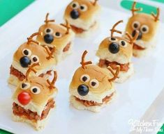 Here are 19 crazy Christmas food ideas that& make a big splash with everyo. - Here are 19 crazy Christmas food ideas that& make a big splash with everyo. Here are 19 crazy Christmas food ideas that& make a big spla. Fun Christmas Party Ideas, Christmas Snacks, Xmas Food, Christmas Appetizers, Christmas Cooking, Holiday Treats, Holiday Recipes, Christmas Holidays, Ideas Party
