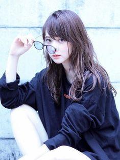 """美女美女 -BIJYO❤️BIJYO- on Twitter: """"… """" Human Poses Reference, Pose Reference Photo, Female Reference, Cute Girls, Cool Girl, Cute Girl Poses, Asian Cute, Girls With Glasses, Girl Glasses"""