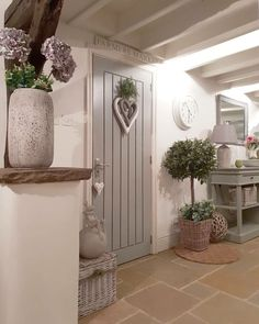 Country # # # landhaus- # # lan Entryway and Hallway Decorating Ideas Country Kitchen lan Landhaus Cottage Living Rooms, Cottage Homes, Cottage Nursery, Cottage Hallway, Garden Cottage, Style At Home, Salons Cottage, Rustic Country Kitchens, Country Decor