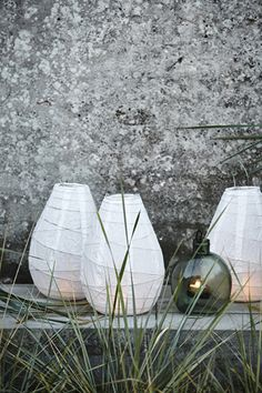 Small white drop lantern from House Doctor. A famous design from House Doctor, but they remain beautiful! For outside in your tree or under your Hanging Paper Lanterns, Paper Lantern Lights, Garden Lanterns, Paper Lamps, House Doctor, White Lanterns, Nordic Home, Greenwich Village, Deco Table