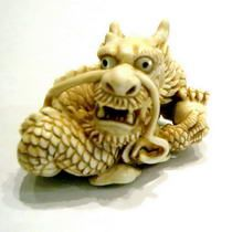 Dragon netsuke