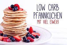 Du ernährst dich Low Carb und bist auf der Suche nach Eiweiß Pfannkuchen? Dann bist du hier richtig. Mit diesem Rezept gelingen die Pancakes auch ohne Mehl.