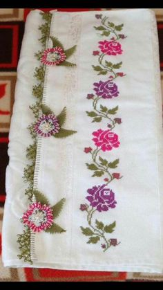 This Pin was discovered by Özl Cross Stitch Rose, Cross Stitch Flowers, Cross Stitch Embroidery, Hand Embroidery, Modern Embroidery, Embroidery Patterns, Cross Stitch Designs, Cross Stitch Patterns, Palestinian Embroidery
