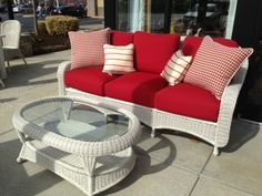 Classic Wicker sofa and coffee table...classic style!