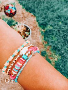 Preppy Bracelets, Cute Bracelets, Jewelry Bracelets, Jewelery, Cute Jewelry, Beaded Jewelry, Jewelry Accessories, Beaded Necklaces, Pulseras Kandi