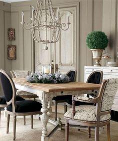 french provincial family room home/design | Via Deana Frescatore