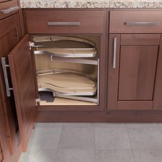 Kitchen Corner Cabinetry Options - ideas that allow for easy storage ...
