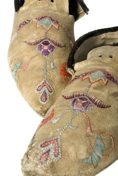 Sioux quilled | Santee Sioux Quilled Moccasins, - Cowan's Auctions