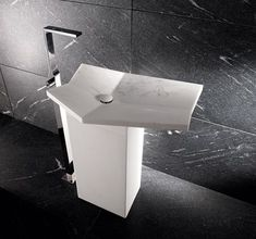 iconci-free-standing-sink-fold-marble-1.jpg