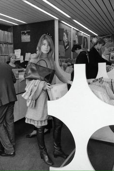 Francoise Hardy in a record store #vinyl