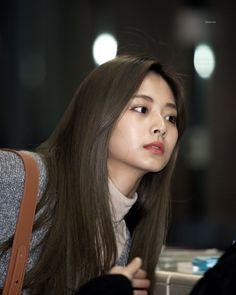 South Korean Girls, Korean Girl Groups, Cute Asian Babies, Chou Tzu Yu, Twice Once, Korean American, Tzuyu Twice, Kpop, Extended Play