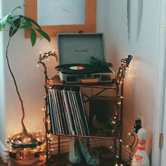 Bedroom Vintage Hipster Record Player 53 Ideas - Hipster Home Decor