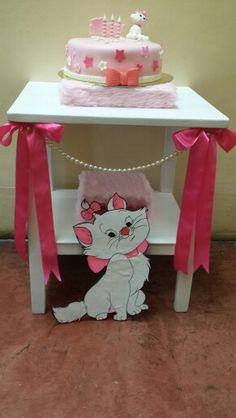 Marie aristocat cake table