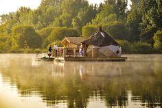Cabanes de Pressac: http://www.les-cabanes.com/louer-cabane-arbre-yourte-roulotte-insolite-86-vienne.html