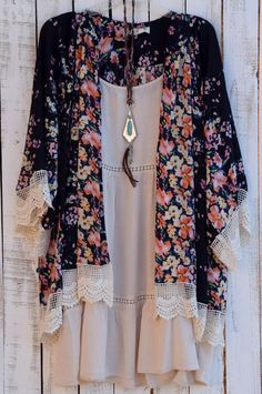 A kimono is a wonderful finishing touch that adds a little BoHo.