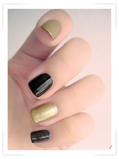 Golden Black Nail Art