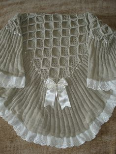 Knitting Machine, Ideias Fashion, Tops, Women, Kids Fashion, Baby Clothes Shops, Broderie Anglaise, Baby Dresses, Baby Things