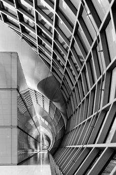 Bangkok International - Suvarnabhumi Airport, Murphy/Jahn Architects