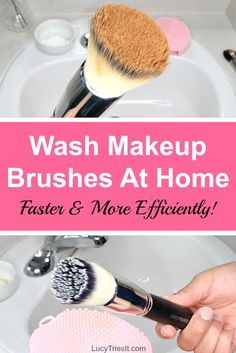 Washing makeup brushes can be messy and time consuming. It doesnt have to be t Washing makeup brushes can be messy and time consuming. It doesnt have to be t How To Wash Makeup Brushes, Best Makeup Brushes, It Cosmetics Brushes, Makeup Dupes, Makeup Brands, Makeup Tools, Makeup Hacks, Drugstore Contouring, Drugstore Beauty
