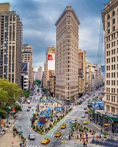The Flatiron Building by @skremerphoto  New York City Feelings  The Best Photos and Videos of New York City including the Statue of Liberty, Brooklyn Bridge, Central Park, Empire State Building, Chrysler Building and other popular New York places and attractions