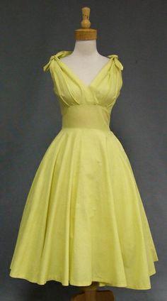 ~1950s sun dress tied shoulders~