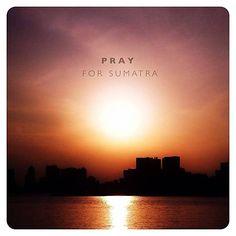 Usuários do Instagram rezam por Sumatra, na Indonésia. A ilha foi atingida por um terremoto de 8,7 graus hoje. #prayforsumatra