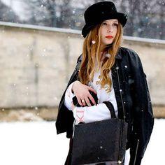 Şapkalar saçlarınızı soğuk havadan korumak için en trend çözüm…  #capellonia #hat #designhat #fashion #moda #instafashion #style #accessories #fashionaccessories #instadaily #instagood #photooftheday #follow #thebest #beauty #musthave